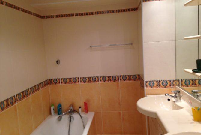 Salle de bains avec double vasques